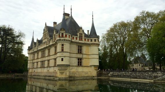 six ch teaux on the loire azay le rideau a lady in france. Black Bedroom Furniture Sets. Home Design Ideas