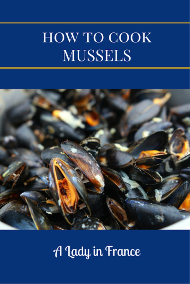How to cook (and eat mussels) the way the French do. It's way easier than you think, and you can use alcohol-free wine if you don't drink. @aladyinfrance