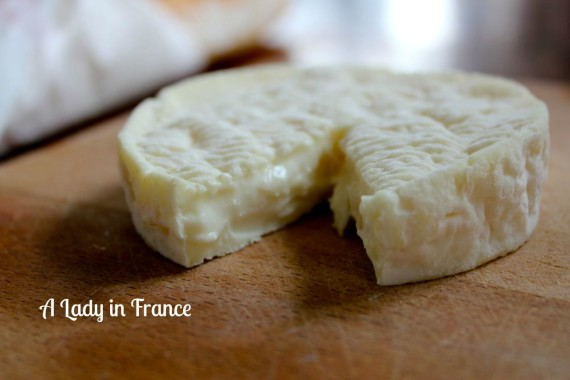 how to cut brie and other French cheese etiquette